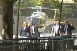D'esquerra a dreta, Joana Ortega, Higini Clotas, Joaquim Nadal i Andreu Mas-Colell arriben en helicòpter al Parlament. Foto del Periòdico